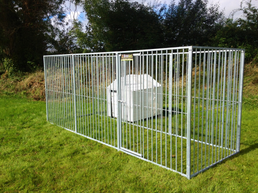 4.5m x 1.5m Dog Run 8CM Bar Spacing